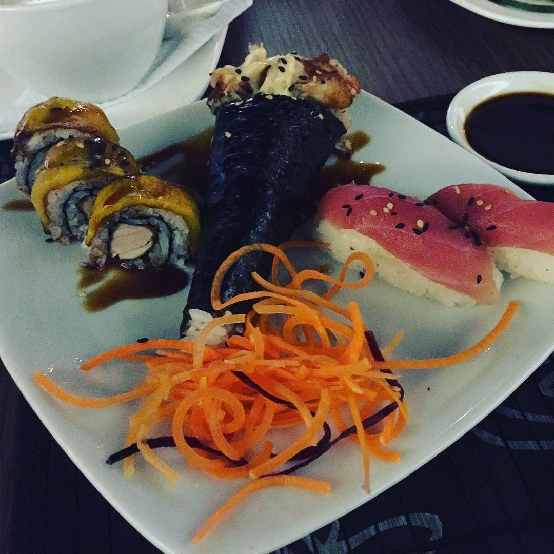 Buscabas variedad? Nosotros la tenemos acércate y dale un toque distinto a tu tarde #Sushi #Foodporn #Tataki by tatakitrasnocho