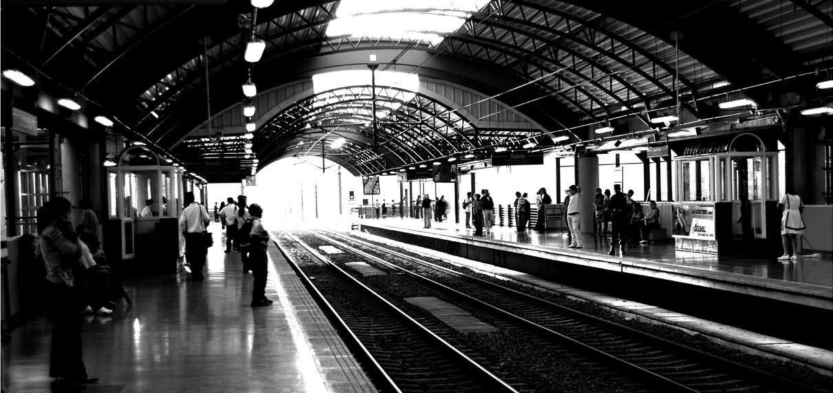 Estación del Metro / Roberto Bedoya