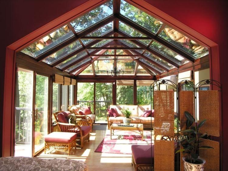 La véranda bois contemporaine à part dêtre super pratique nous offre un espace à ciel ouvert et à labri des éléments naturels à la fois son am