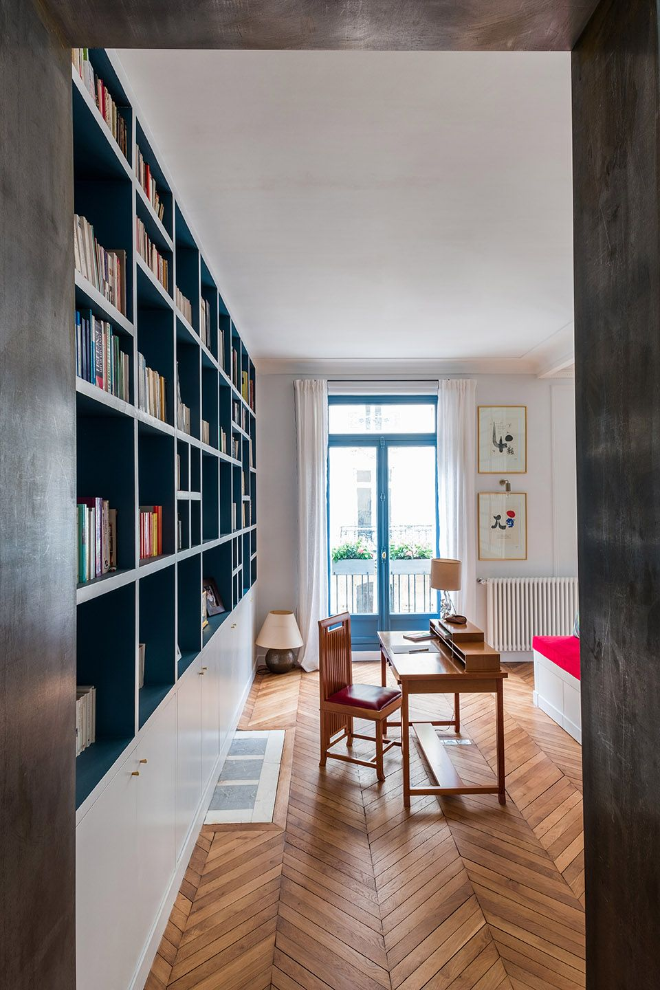biblioth que integr e dans le bureau edouard fournier gcg architectes edouard fournier paris. Black Bedroom Furniture Sets. Home Design Ideas