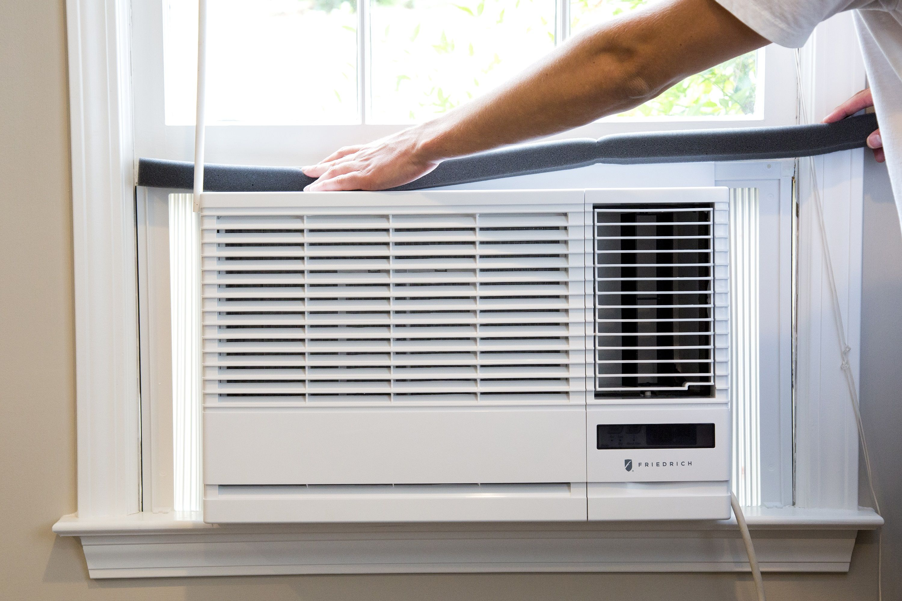 Five Annoying Window Ac Problems And How To Avoid Them In 2020 Window Unit Air Conditioners Window Air Conditioner Window Unit