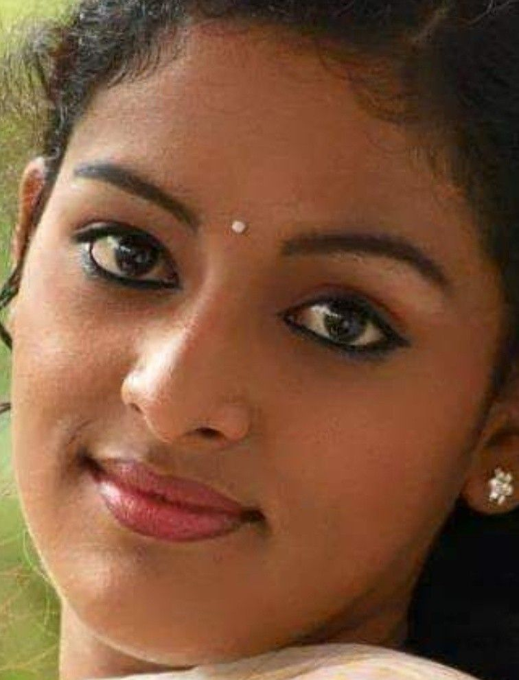 Pin By ச கன ன யப பன On Face Beauty Face Indian