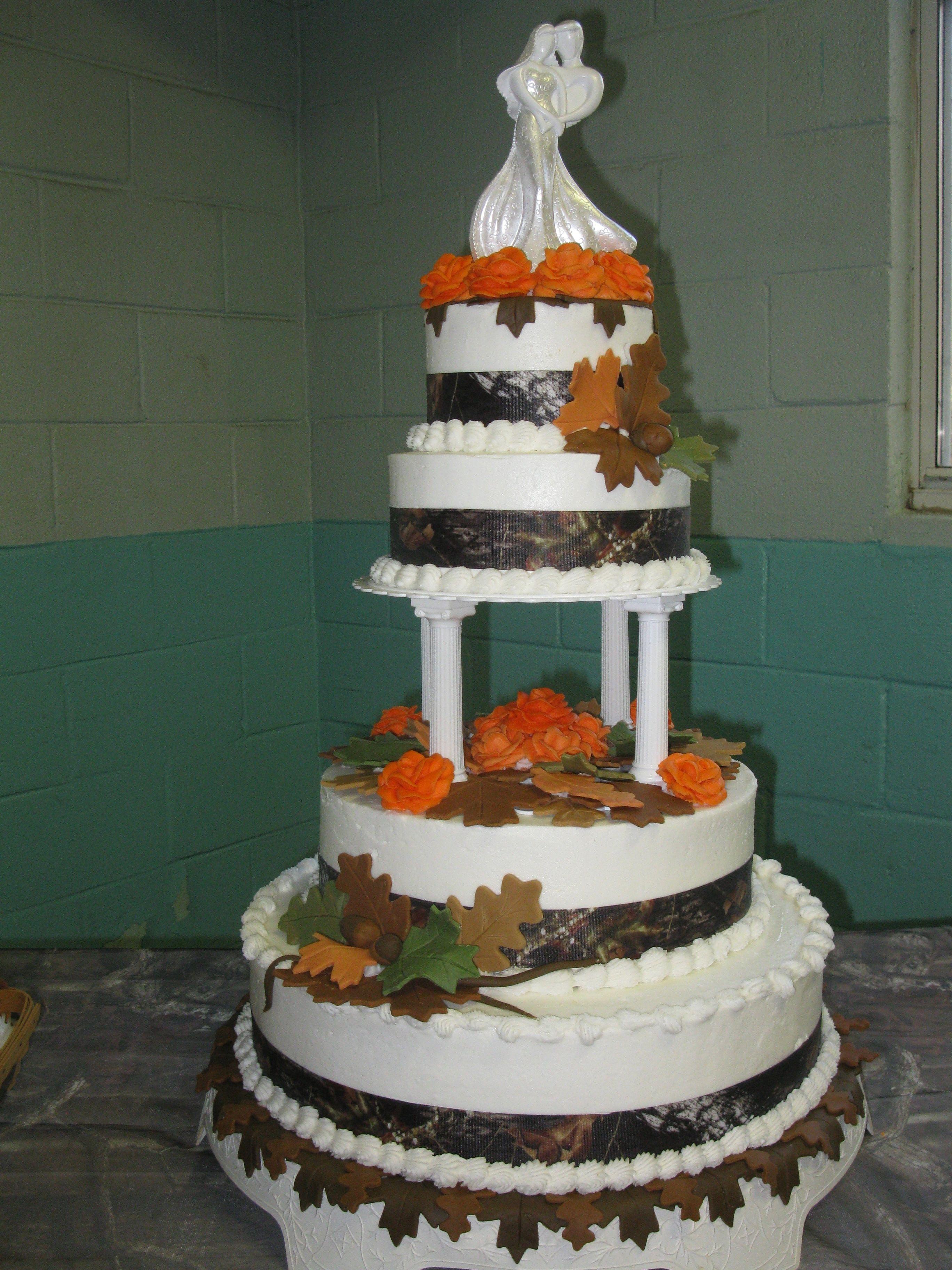 Camo cake Wedding cake rustic, Themed wedding cakes