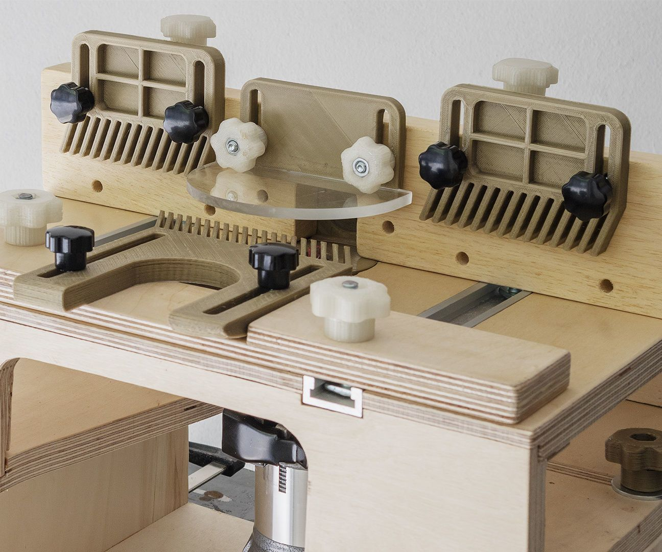 Homemade router table top  Build Router Table Fence  Router Tips Jigs and Fixtures