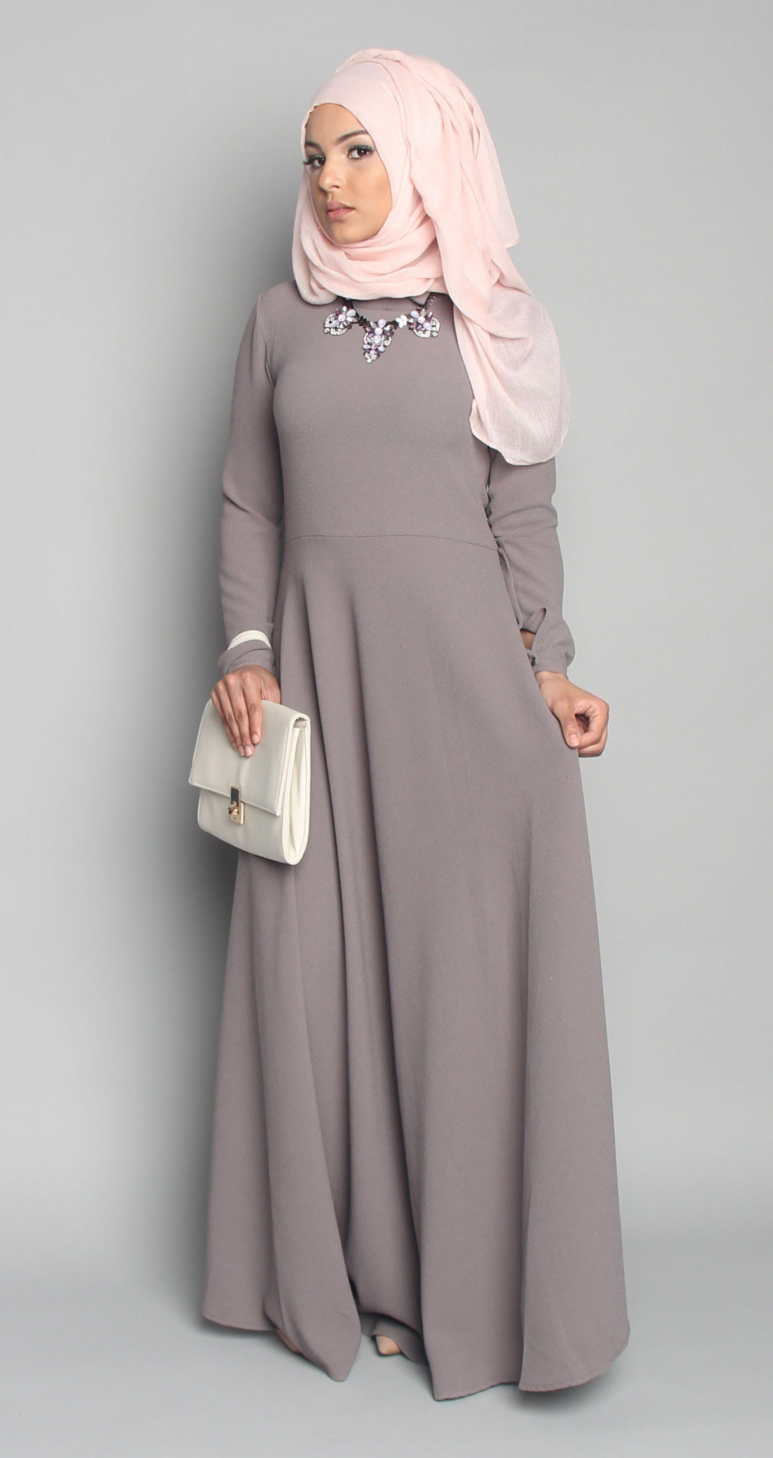 2b5d8f4ff6dbf Hijabi Gowns, Hijab Chic, Hijab Style, Abaya Style, Muslim Fashion, Islamic