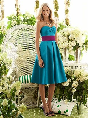 I have no idea why I love this so much...the colors look so majestic together...and the dress is so pretty. :)