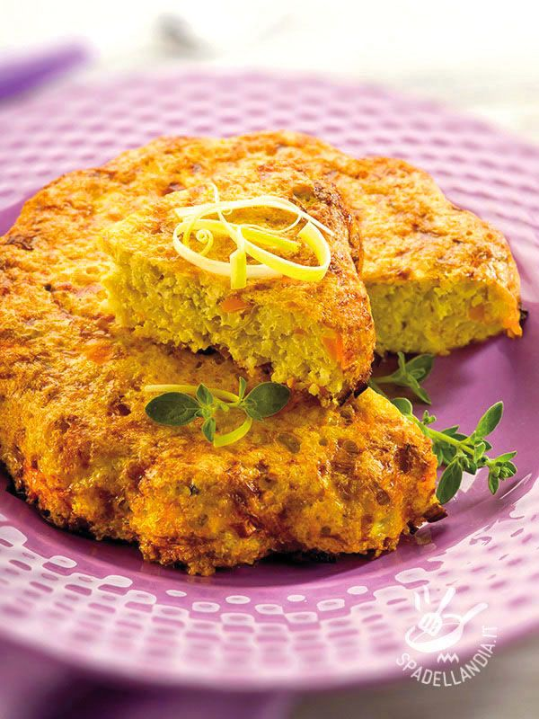 Il Tortino di carote, patate e porri è una delizia perfetta per una dieta a basso contenuto calorico, sfiziosa quanto basta per soddisfare il palato!