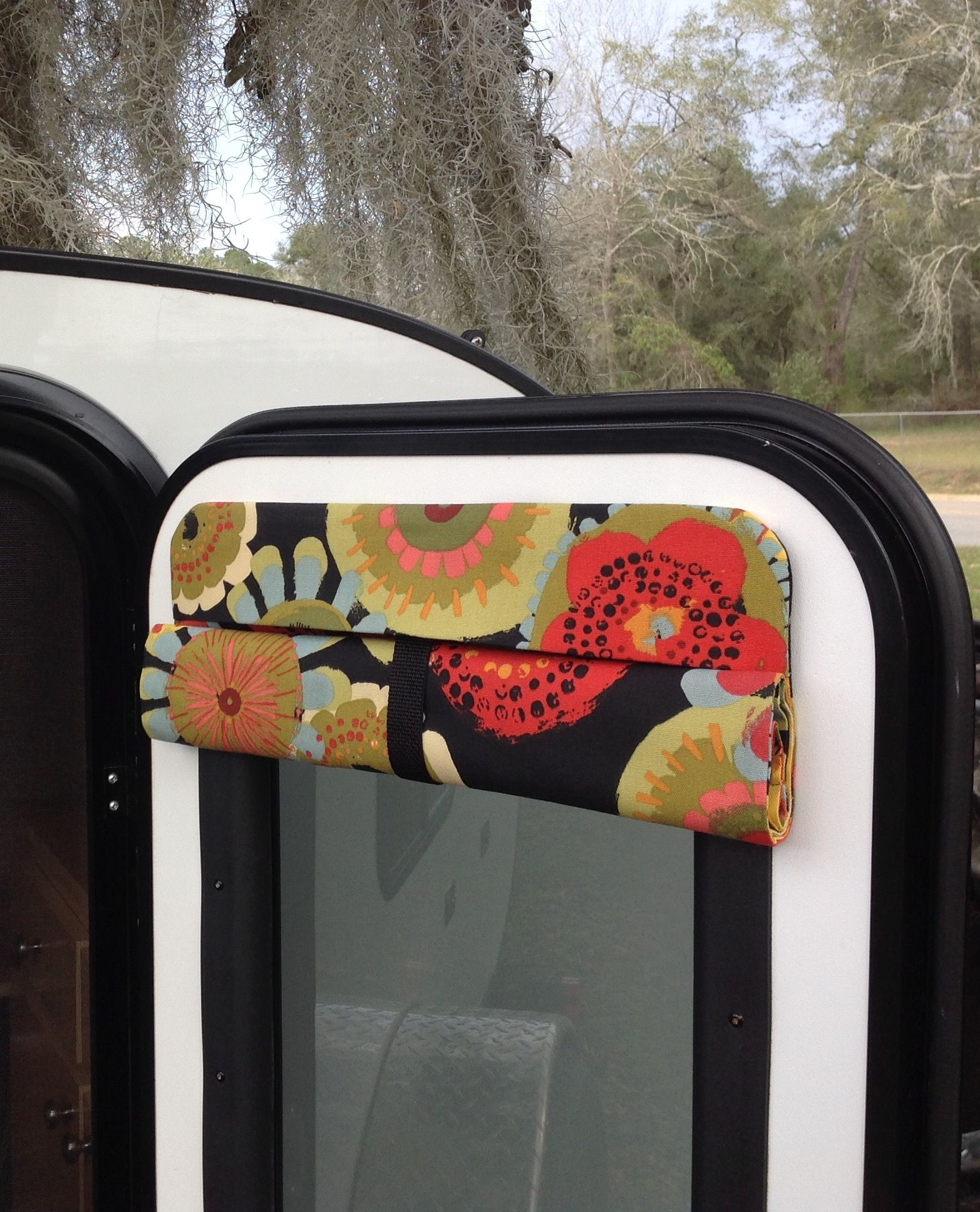 Sweet Camper Door Shade That Rolls Up And Curtains To Match Glamping Teardroptrailer Camping Teardrop Camper Curtains Door Shades Van Curtains