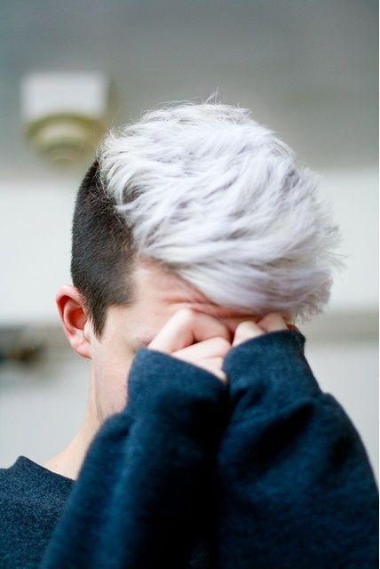 Bleached Hair For Males Achieve The Platinum Blonde Appear Men Hairstyles Men Hair Color Mens Hair Colour White Hair Men