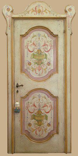 Riproduzione di una porta in stile Luigi XV con decorazioni tipiche ...