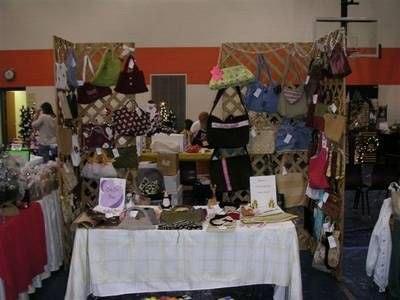 Table Display At Craft Fair Best Way To Display Purses