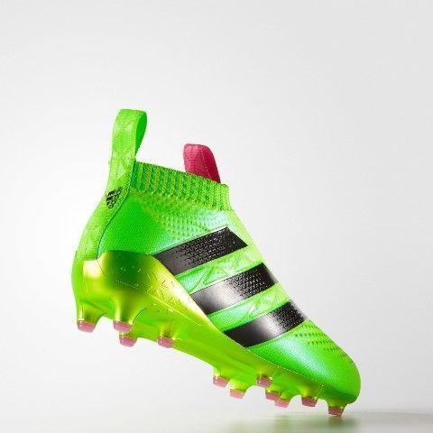 sports shoes 8bd59 3e7be Récord de ventas de las botas sin cordones de Adidas