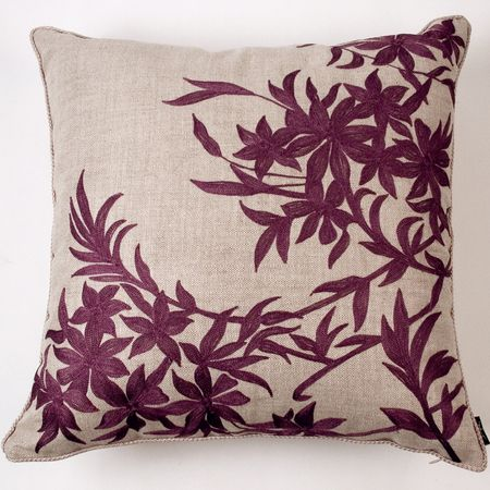 seriously love this pillow. needs plum piping. | Revamp my lounge ...