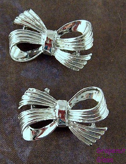 Matching Gerry's Silver-tone Bow Scatter Pin Pair on Etsy