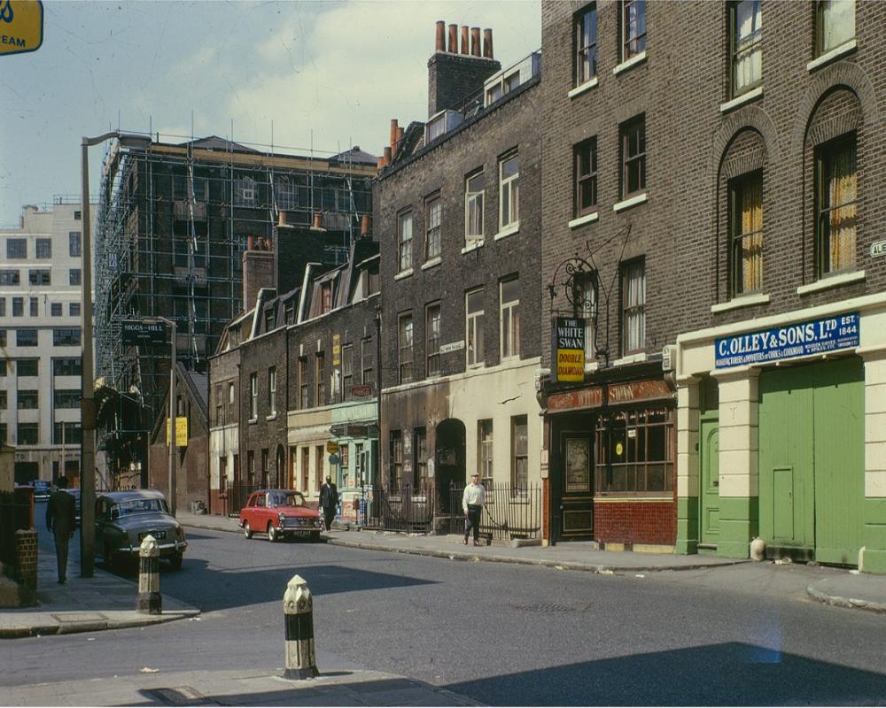 Sensational Kodachrome Photos Of London S East End By David Granick Flashbak East End London London Photos Historical London