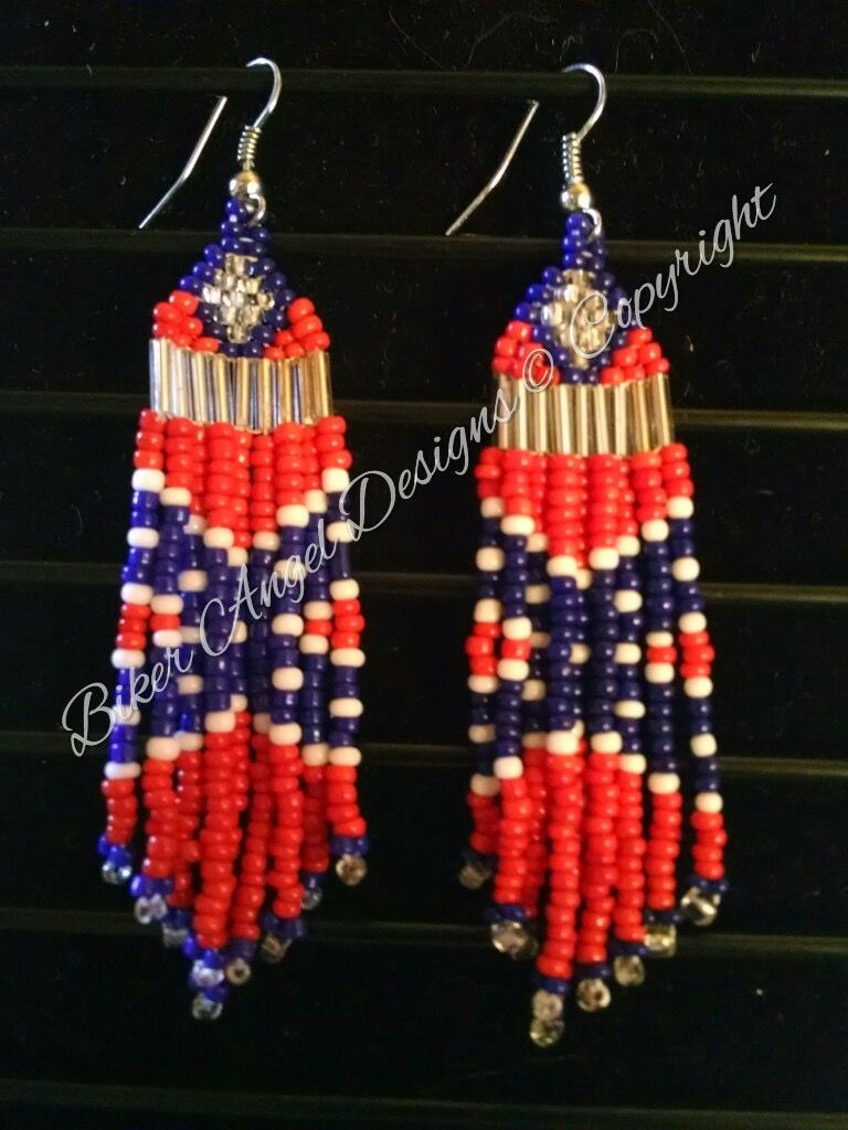 Pin By Joy Maynard Guthrie On Beads In 2020 Brick Stitch Earrings Seed Bead Earrings Native American Beaded Earrings