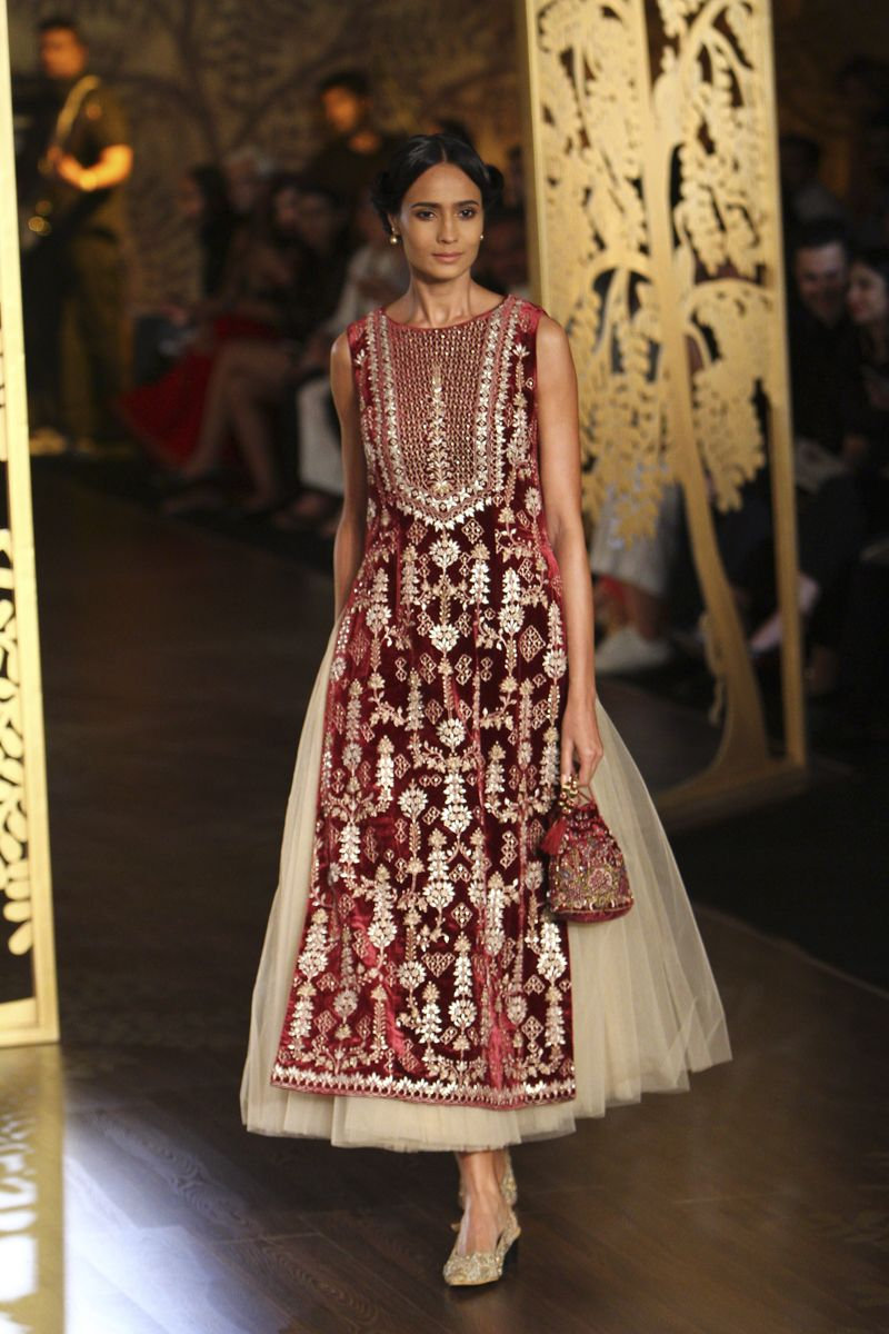 9e7b13dca09 Complete collection  Anita Dongre at India Couture Week 2017 ...
