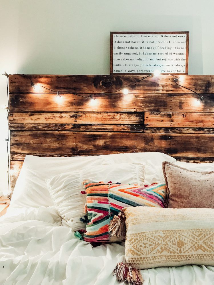 How to Make a DIY Pallet Headboard (like ours!) Pallet