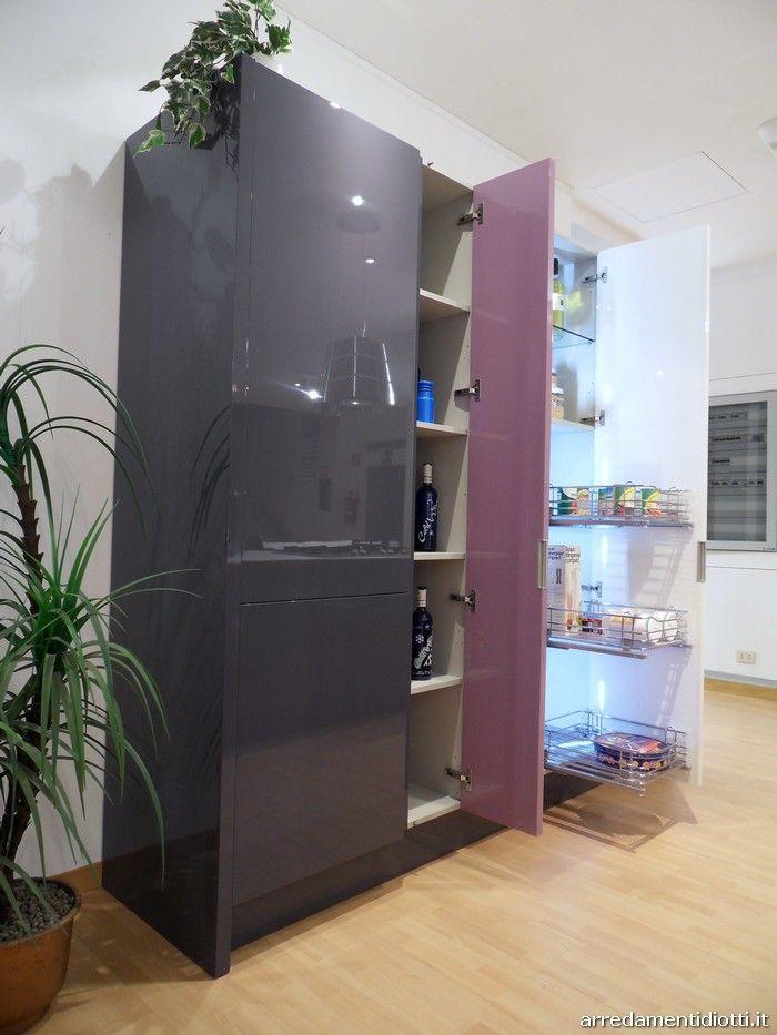 Cucina di design Domus con isola e colonne - DIOTTI A&F ...