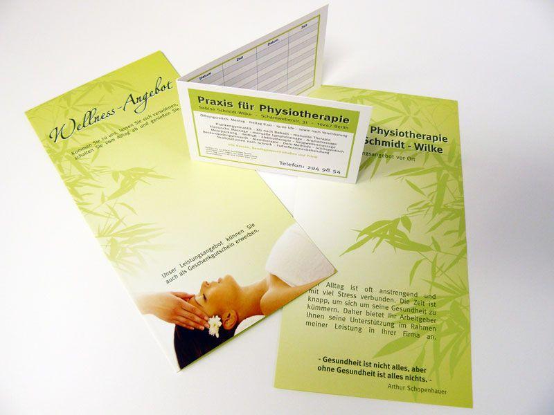 Ein Komplettpaket Flyer Und Gefaltete Terminkarten Die