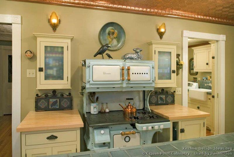 Cottage Kitchen Design© Crown Point Cabinetry Crownpoint Unique Vintage Kitchens Designs Decorating Design