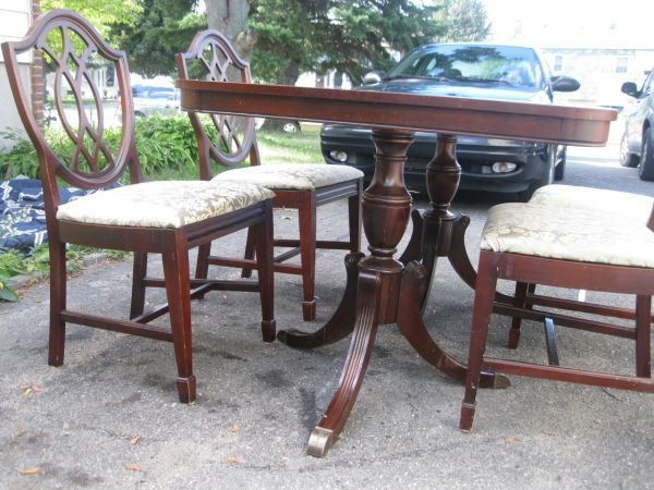 Vintage Mahogany Double Pedestal Dining Table Plus Four