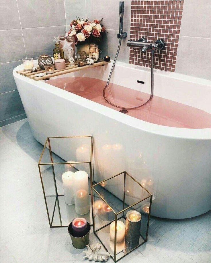 Loving All The Candle Holders In This Bathroom Minimalist Home Minimalist Bedroom Interior