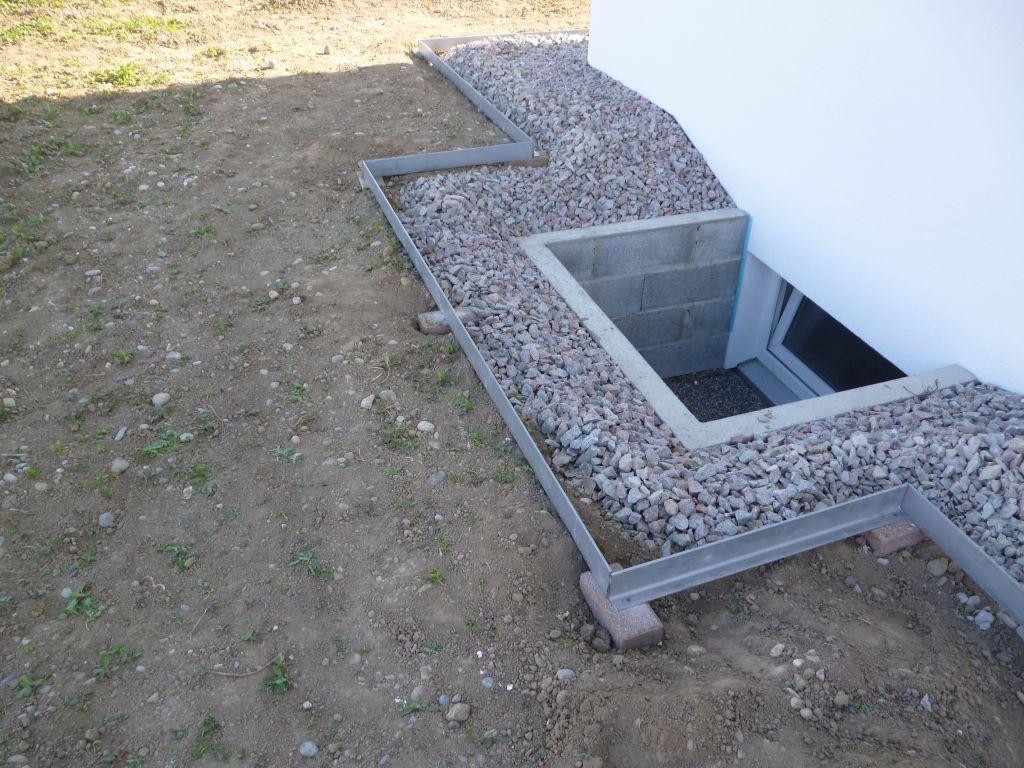 Amenagements Exterieurs Pose D Arrets Pelouse Amenagement Exterieur Vides Sanitaires Exterieur