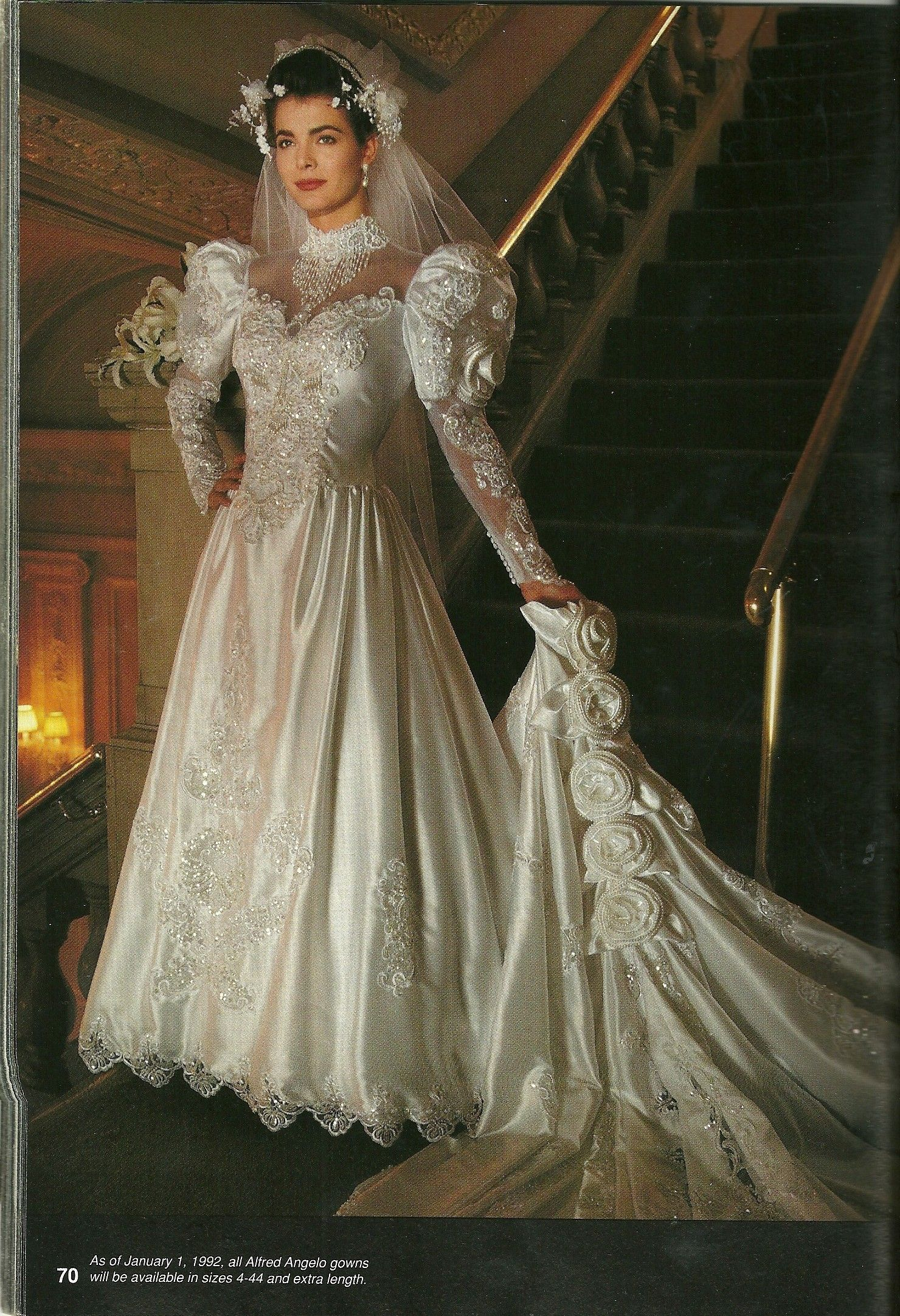 Lace Liques Satin Vintage Wedding Dresses With Royal Train Long Sleeve Bridal Gowns