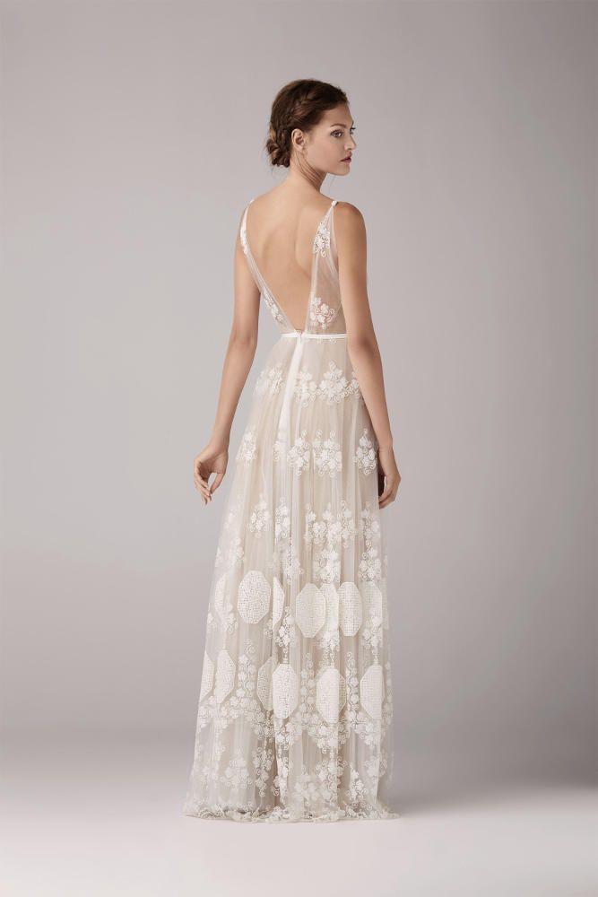 e830f3043c3bb Retrouvez la robe de mariée May de Anna Kara chez Plume Paris ...