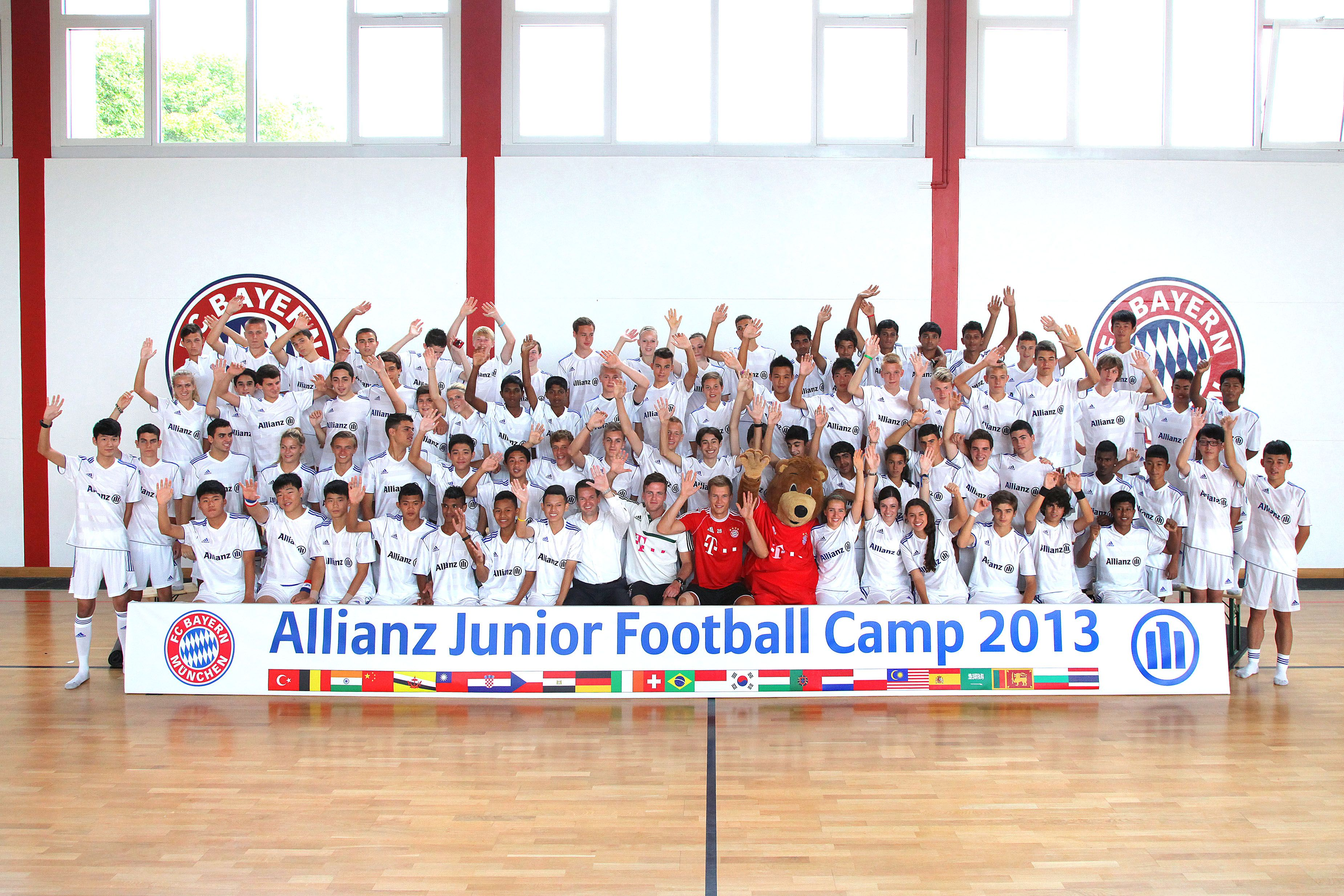 Integetnek a táborozók (With images) Bayern münchen