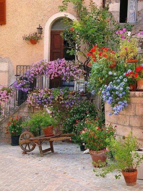 Planning A Trip To Tuscany Things To Consider Toskanischer Garten Toskana Italien Gartenprodukte