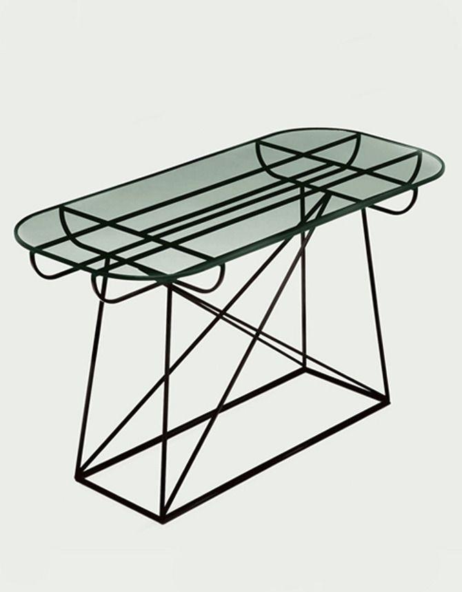 Linn Kandel : Pylône occasional table.