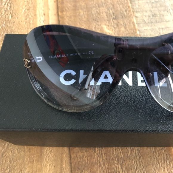 9c58770fb8c33 CHANEL CC Logo Sunglasses 5066 Black Ultra-chic! We guarantee this is an  authentic