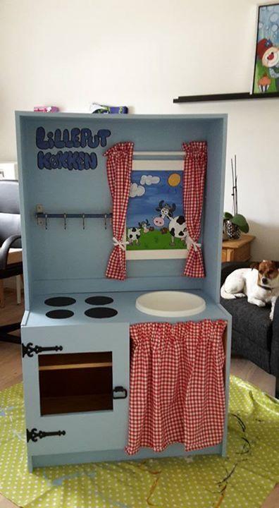 """Gammel Reol """"ombygget"""" til børne køkken"""
