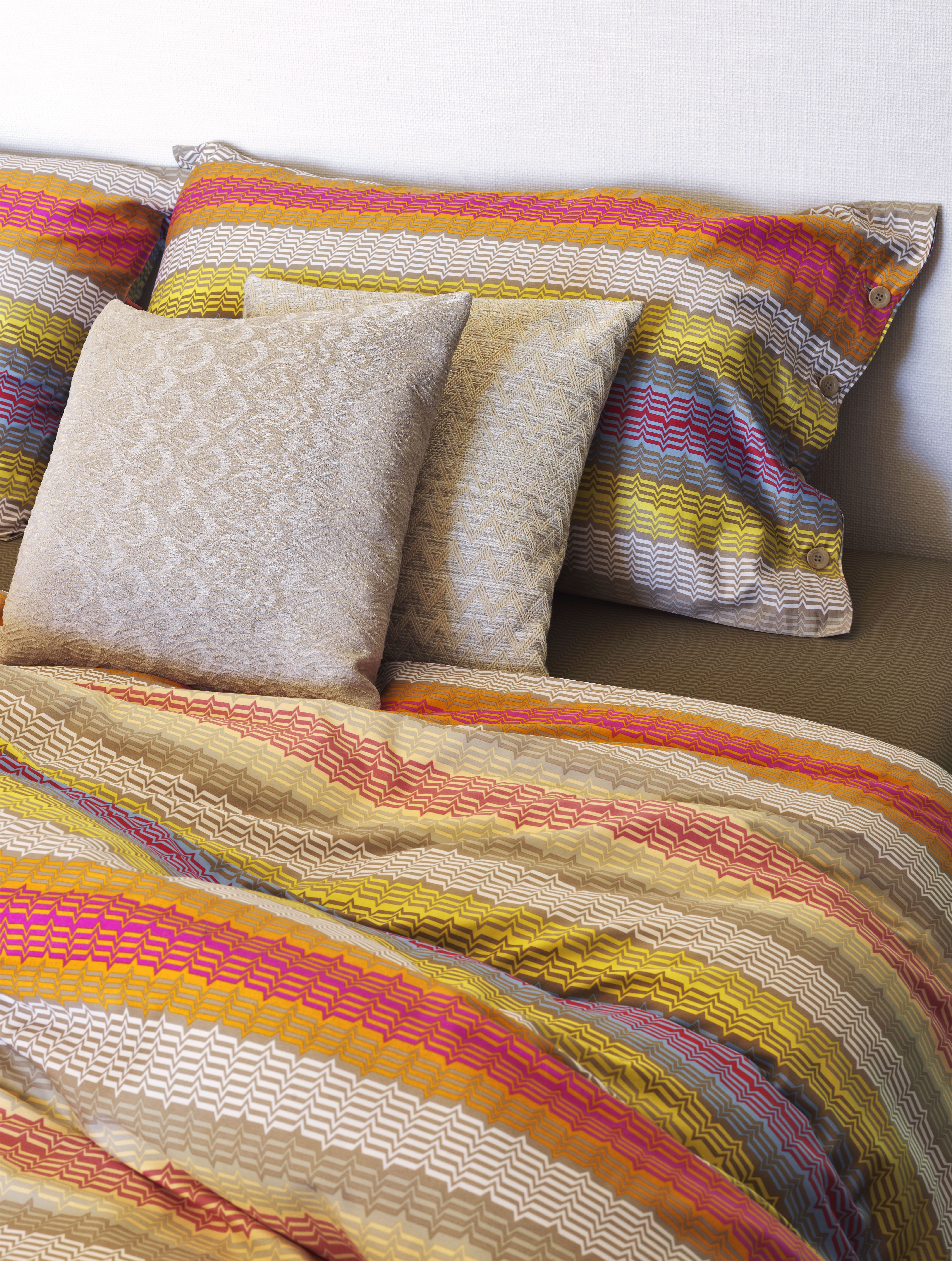 design fabric cool net missoni pillow jong room bedding with affordable roche screen bobois couch sectional relbf home stoccarda mah divider sofa levante online pillows by