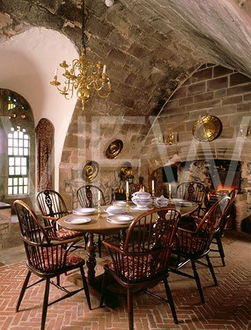 A View Of The Dining Room At Lindisfarne Castle Showing The Stunning Castle Dining Room Design Decoration