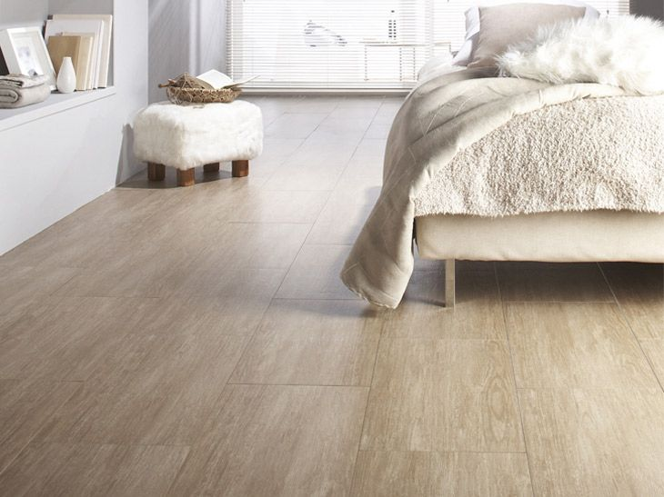 Carrelage clair imitation parquet en ch ne naturel un for Carrelage qui se colle