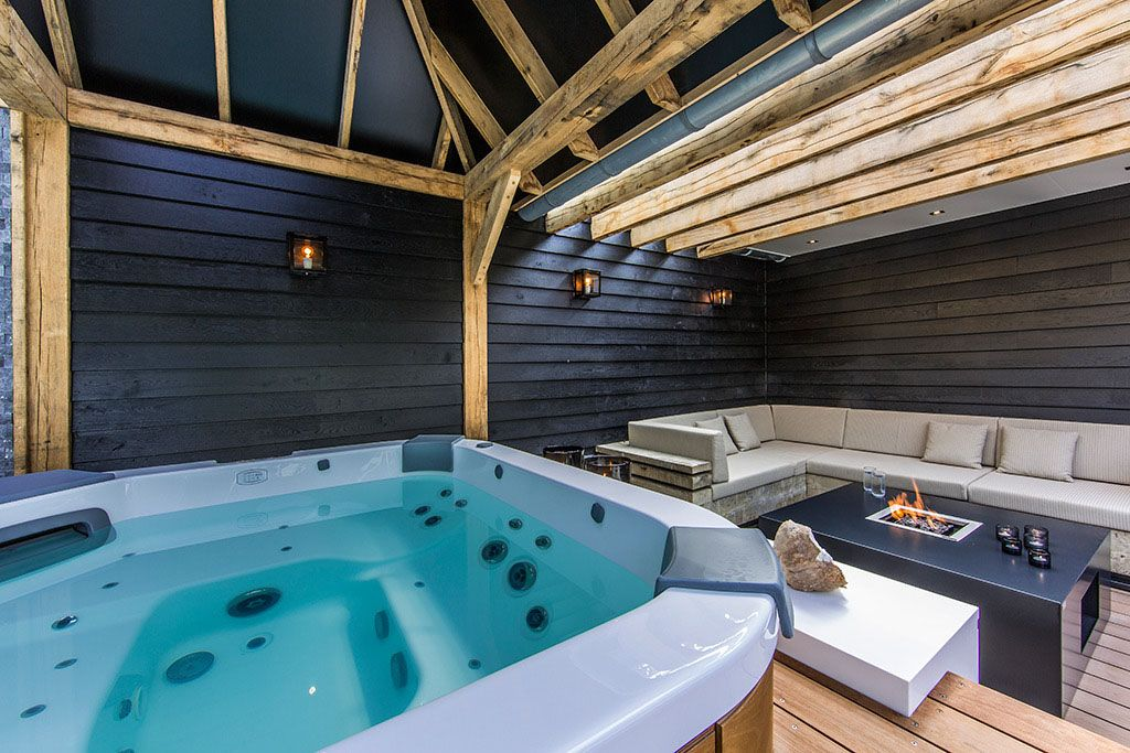 Perfect Living Room Jacuzzi With A Fire Pit And On Wooden Deck For