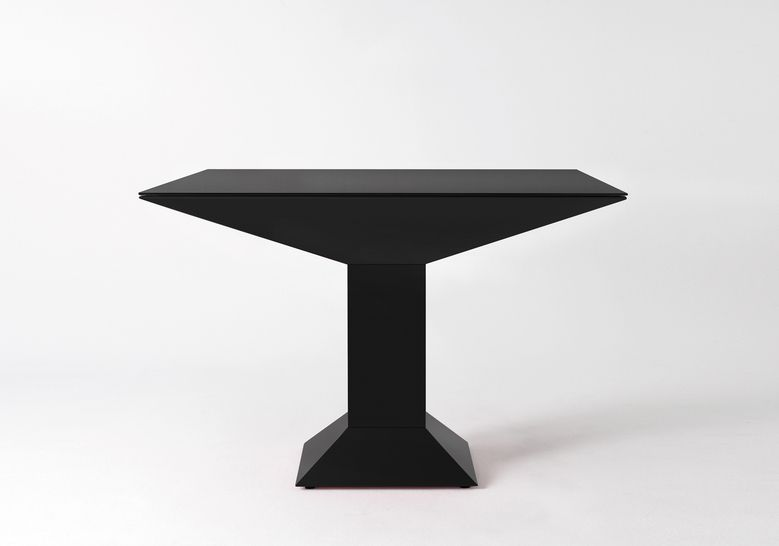 Mettsass Dining Table #homedesign #homedecor #modernfurniture #moderndesign #modern #contemporarydesign #decor #design #interiordesign #diningtable #table #moderntable