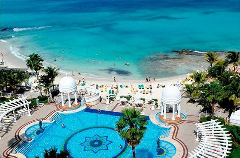 The Top 10 Beach Hotels In Cancun Cancun Hotels Riu Palace Las Americas Mexico Vacation