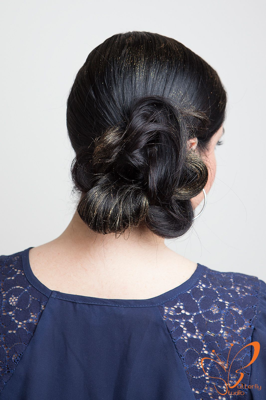 Holiday hair howto gold pomade by oribe to make any