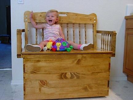 Child S Toy Box Blanket Chest And Bench Tutorial Blanket
