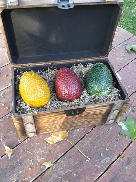 game of thrones dragon egg music box game of thrones party ideas pinterest geschenke. Black Bedroom Furniture Sets. Home Design Ideas