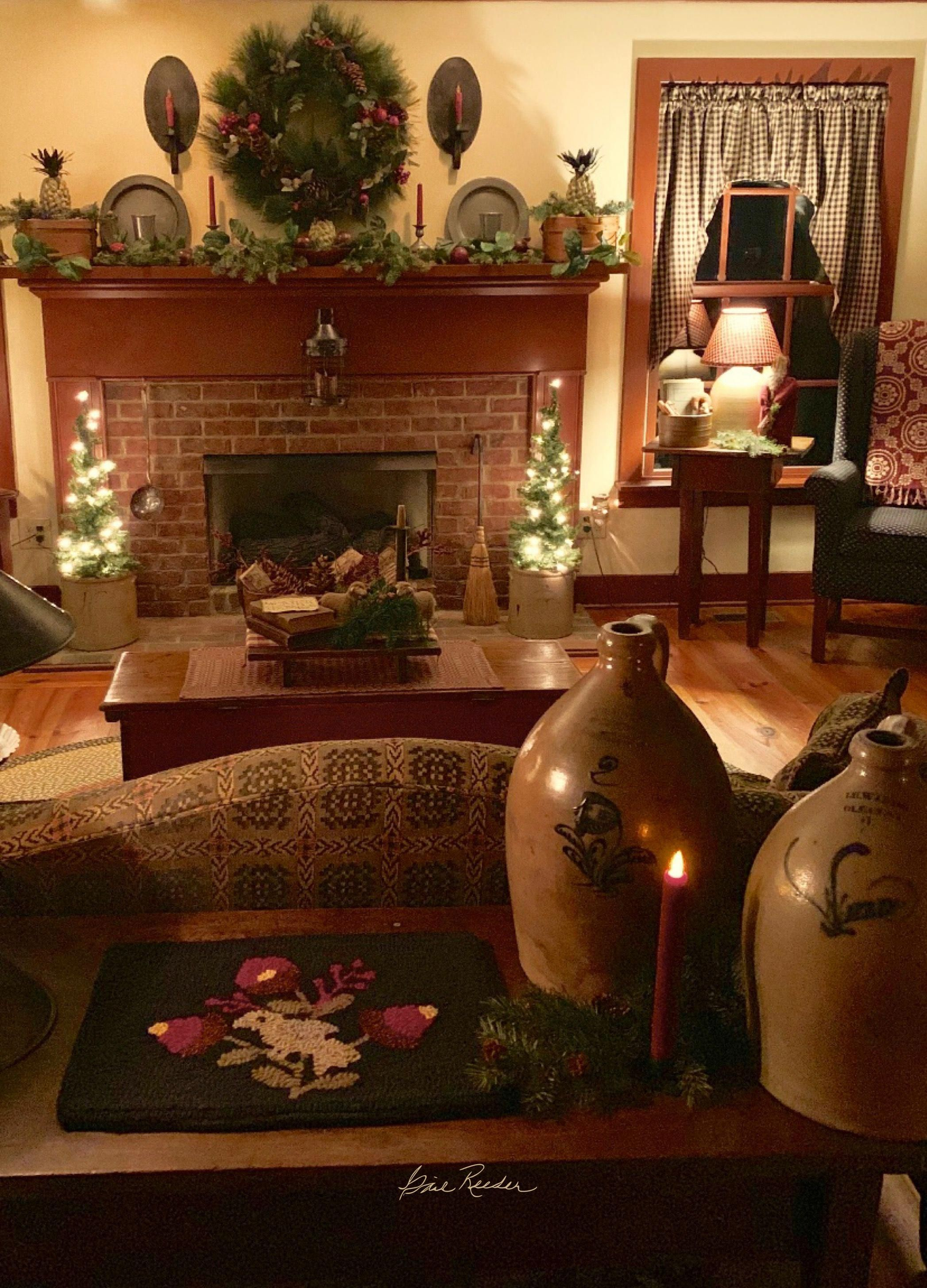 Simple Colonial Style Cozylivingroomfurnituregreywalls Primitivecountrydecorating Colonial Home Decor Primitive Living Room Primitive Decorating Country
