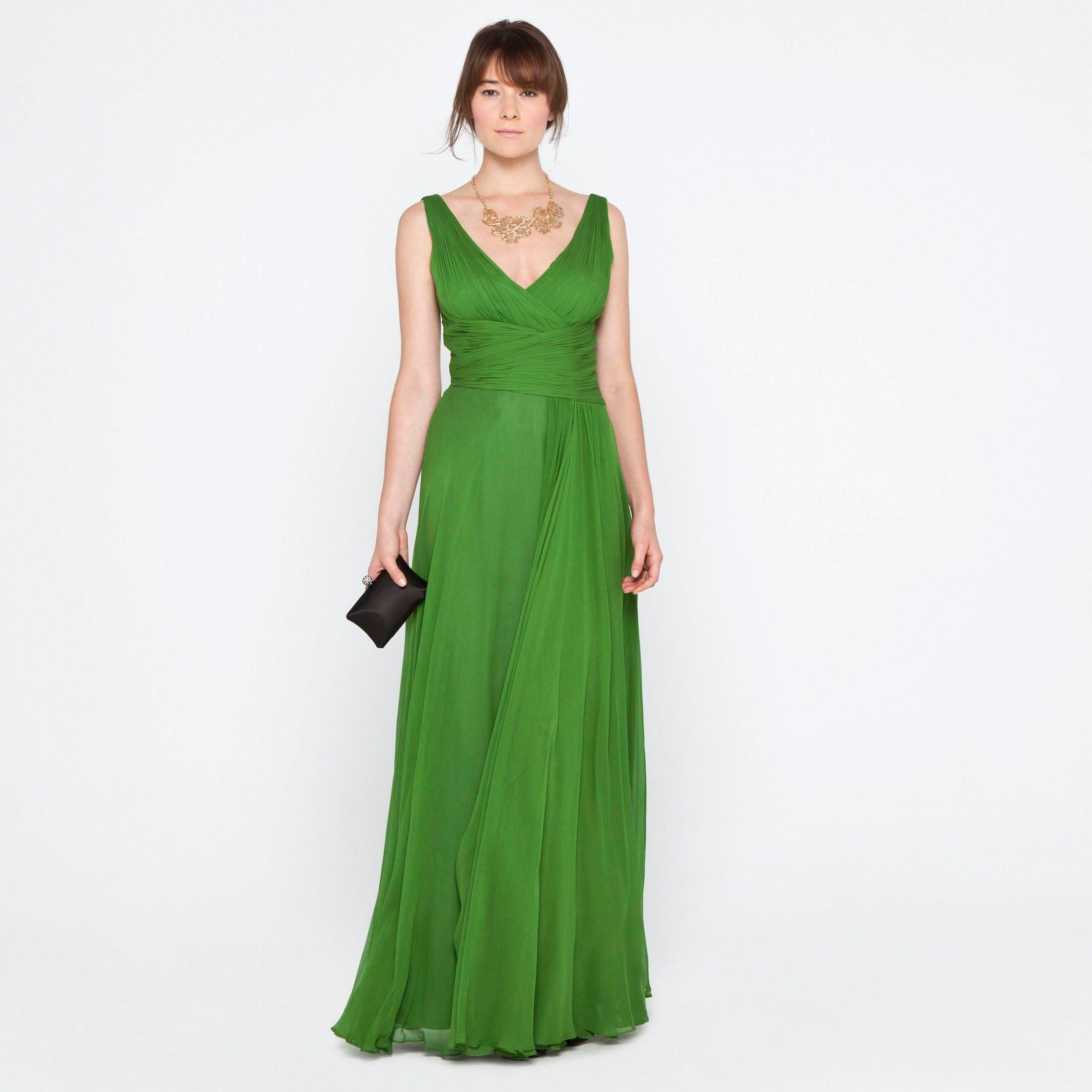 fc7cba222 Vestido largo de seda con escote en V y drapeado en la cintura. Elegante y  sencillo.