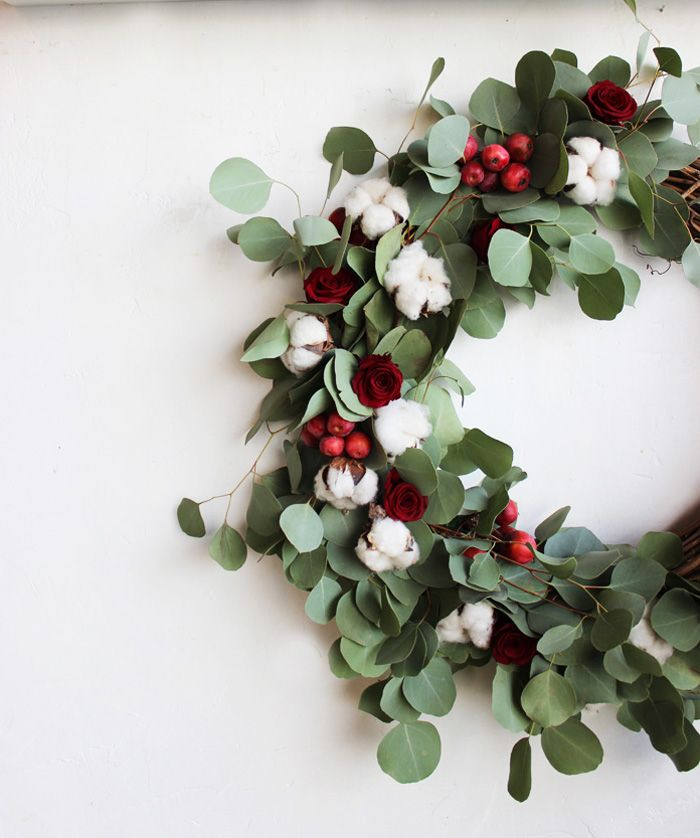 DIY Holiday Wreath with Flower Factory Flower factory, Holiday - christmas wreath decorations