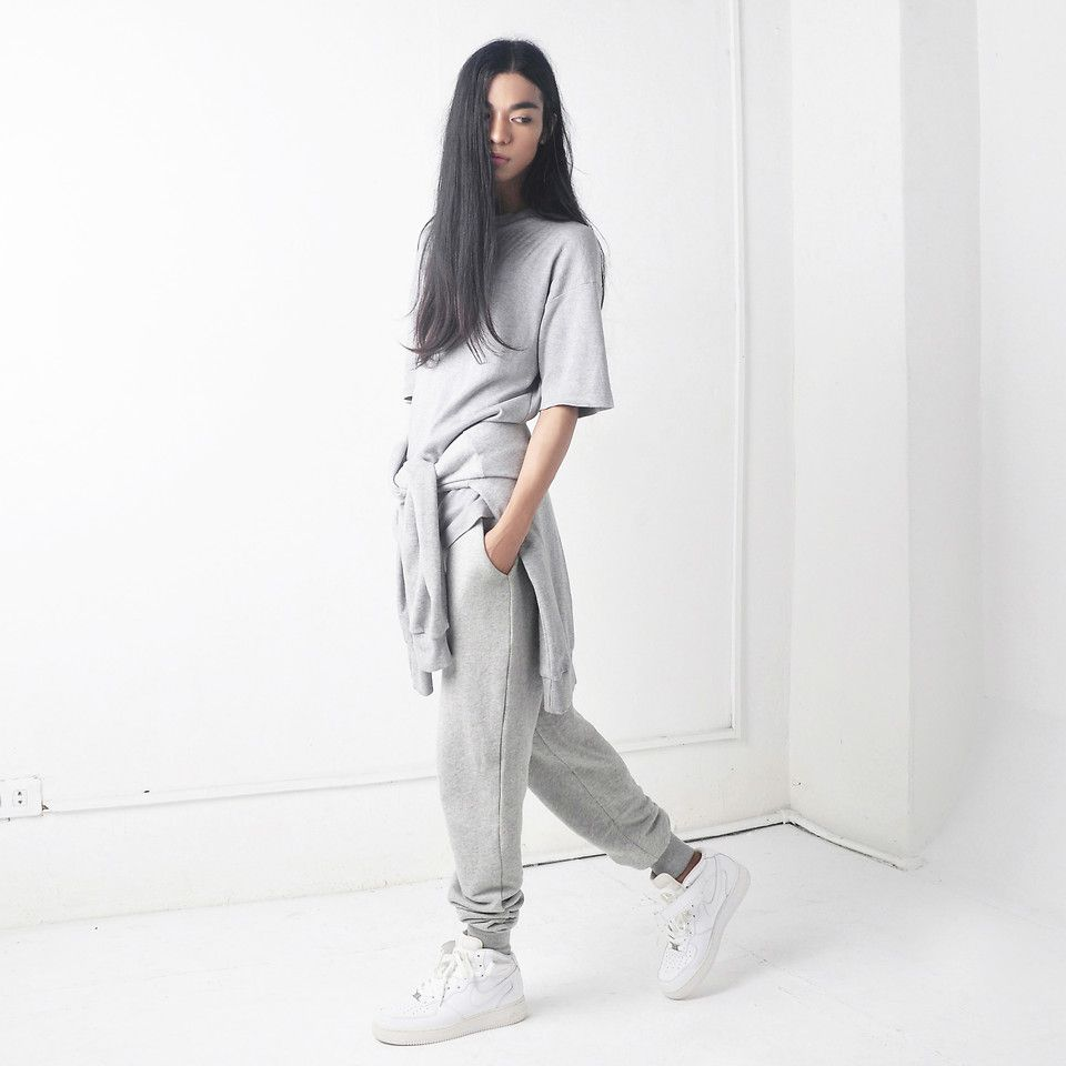 new arrival e69ce e3d2f Sef Kylie - Frontrowshop Sweat Pants, Nike Air Force 1 - 90s Kid   LOOKBOOK