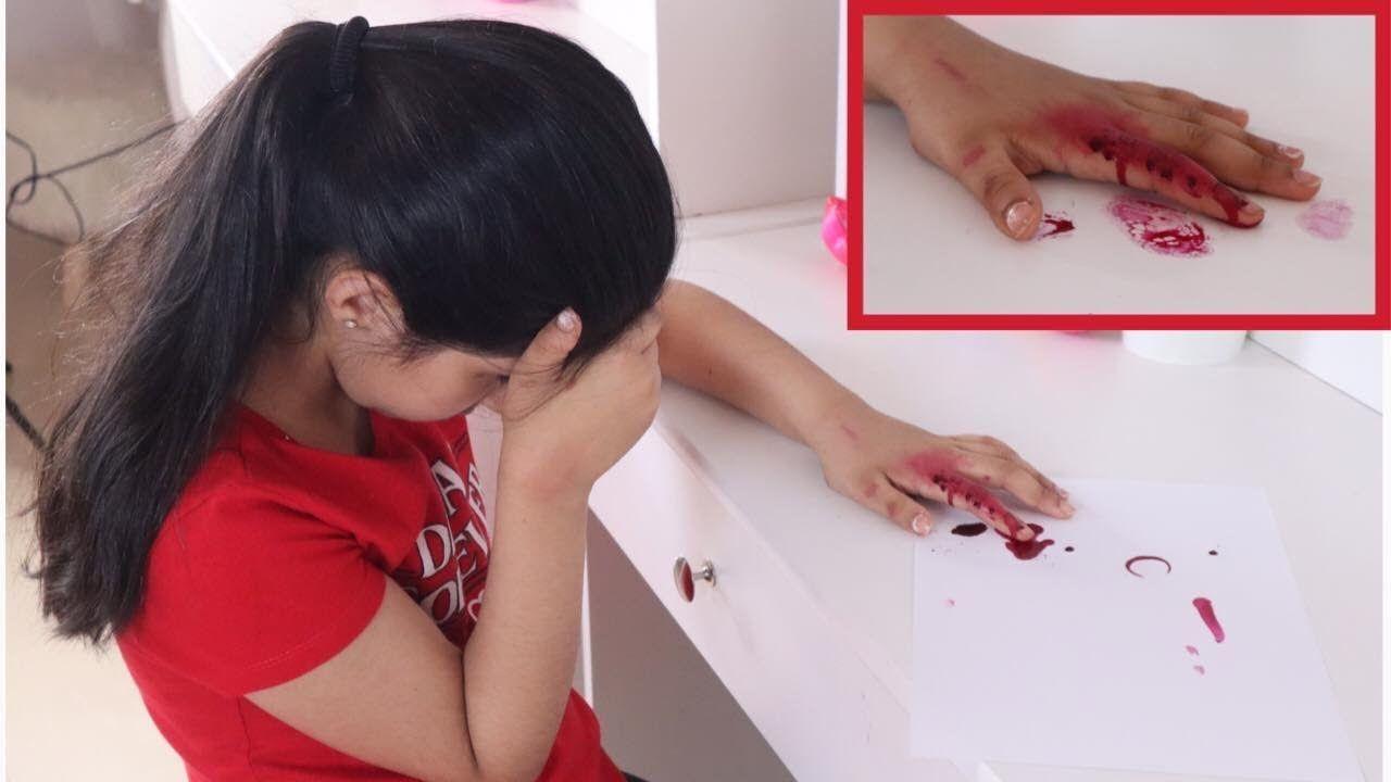 هيفاء صارلها حادث وانقص اصبعها بالمقص ردت فعل هيا Youtube Electronics
