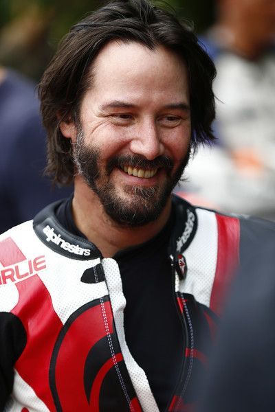 Keanu Reeves Photos Photos - Actor Keanu Reeves takes part at the Goodwood Festival of Speed on June 24, 2016 in Chichester, England. - Goodwood Festival of Speed